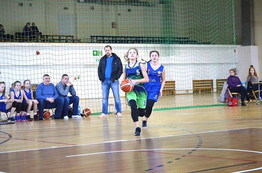 Fragment sobotniego turnieju ligi U13. Ósemka zdeklasowała AKS SMS Łódź.