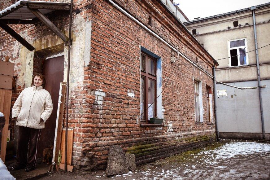 Z palącego się mieszkania na pierwszym piętrze Agnieszka Klimiuk uciekła razem z konkubinem na dach przyległem oficyny.