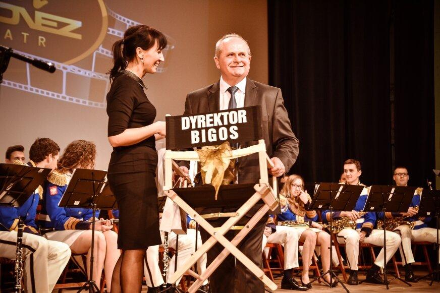 W minionym roku skierniewickie kino Polonez świętowało jubileusz 40 lat istnienia. To był również wielki benefis Bigosa, reżysera tego przedstawienia.
