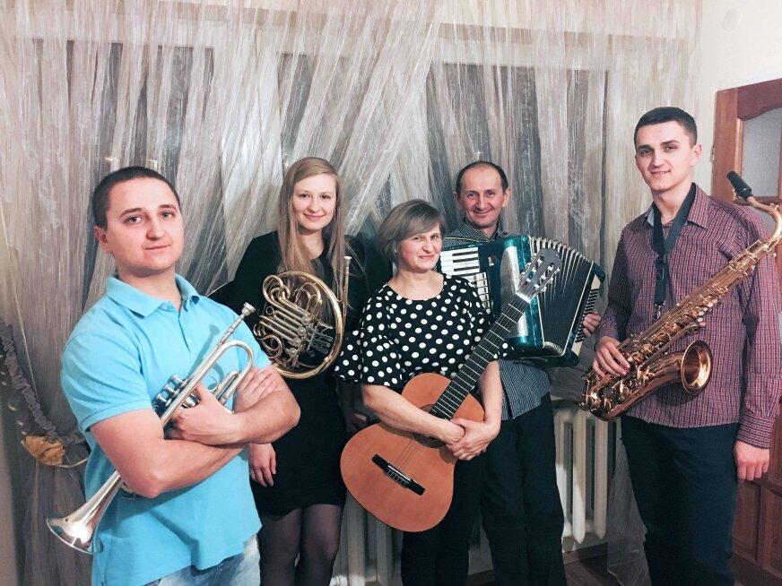 Sylwester i Krzysztof obecnie grają w reprezentacyjnej Orkiestrze Reprezentacyjnej Policji, Dominik gra w zespole Fokus Band, który gra lżejszą muzyka, Monika na razie nie związała swojego życia z muzyką, ale kto wie co będzie dalej. Tym bardziej, że rodzeństwo myśli o stworzeniu wspólnego zespołu.