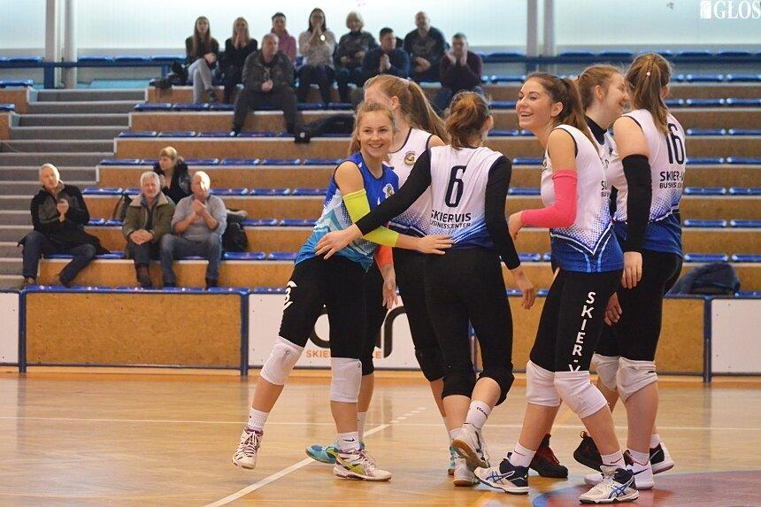 Zespół kadetek ze Skierniewic poznał rywalki w walce o półfinał mistrzostw Polski.