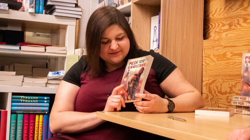 Dominika Tarczoń prezentuje swoją powieść