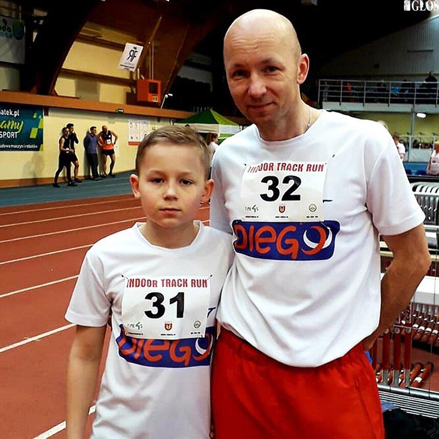 Krzysztof i Aleks Garbicz, ojciec i syn wystartowali w Halowych Mistrzostwach Województwa Łódzkiego w Lekkiej Atletyce.