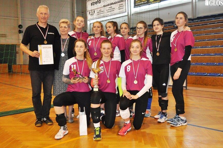 Mistrzynie województwa łódzkiego w piłce siatkowej − ZSSO − Gimnazjum nr 2 w Skierniewicach.