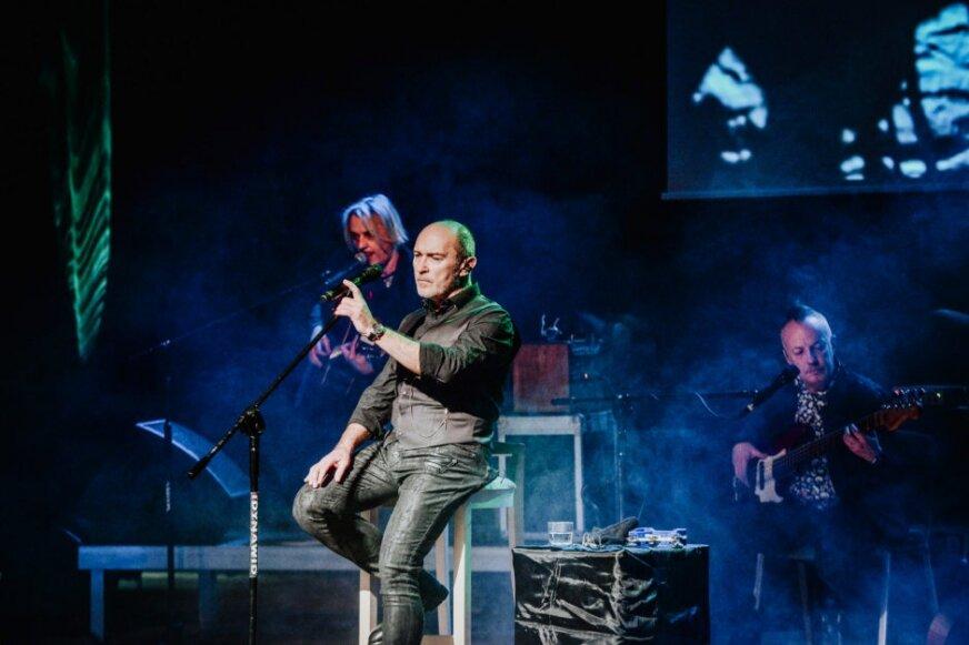 Andrzej Krzywy z zespołem De Mono zagrał koncert w Rawie Mazowieckiej z okazji Dnia Kobiet