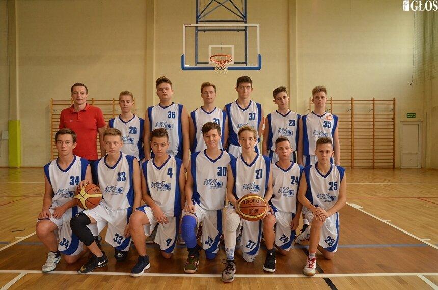 Zespół kadetów ze Skierniewic zakończył sezon 2018/2019.