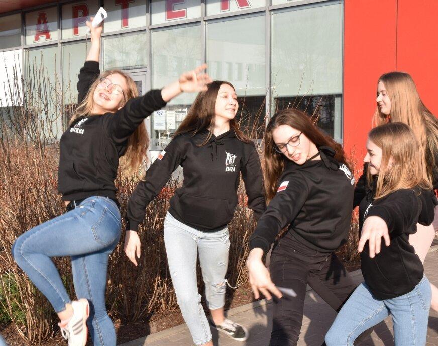Tancerki w Dekadzie zapraszały na premierę najnowszej sztuki Skierniewickiego Teatru Tańca.