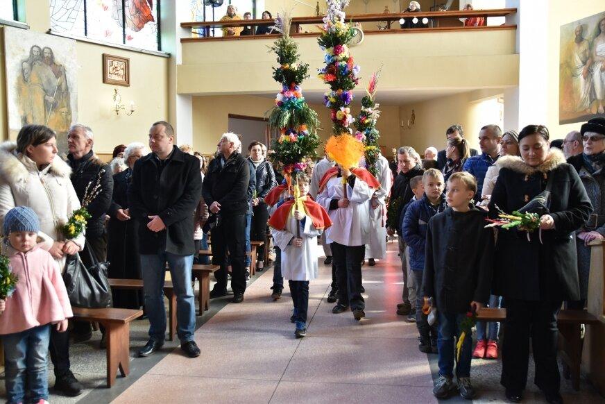 Liturgia Kościoła wspomina w Niedzielę Palmową uroczysty wjazd Jezusa do Jerozolimy.