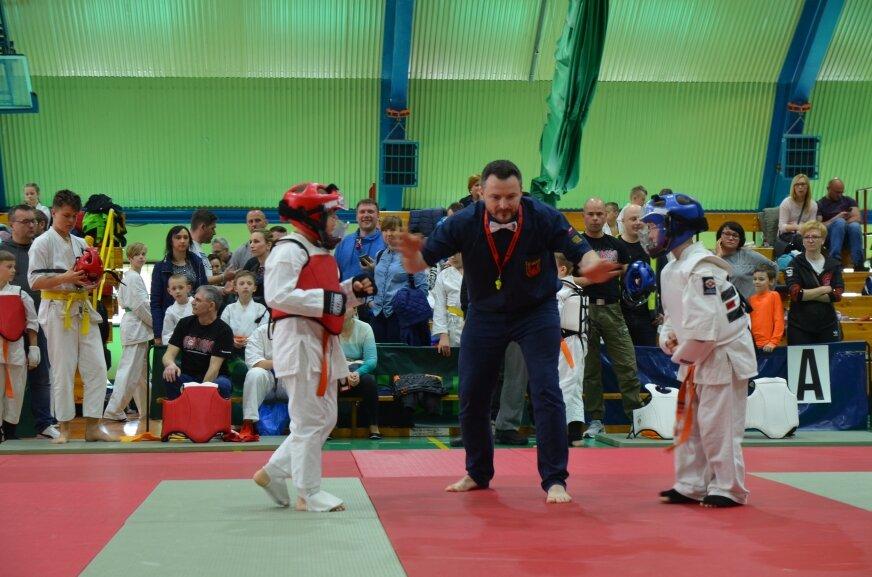 200 zawodnikow karate zjechało do Rawy Mazowieckiej (VIDEO)