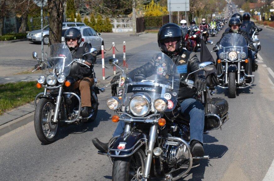 Rozpoczęcie sezonu motocyklowego w Rawie Mazowieckiej (VIDEO)