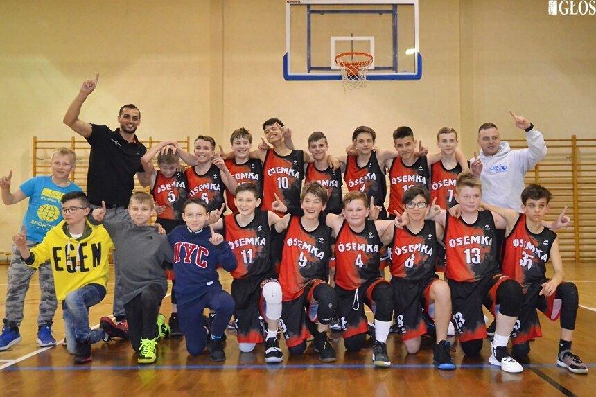 Zespół MKS Ósemka AZS PWSZ Skierniewice mistrzem łódzkiego młodzików młodszych w koszykówce