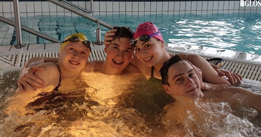 Skierniewiccy pływacy bardzo dobrze wypadli w Ostrowcu Śwętokrzyskim.
