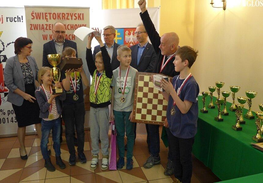 Drużyna szachistów z SP nr 5 po raz siódmy zdobyła tytuł najlepszej w Polsce.