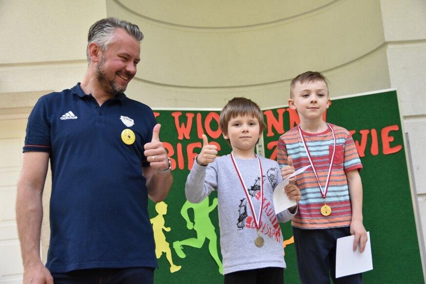 Zawodnicy, którzy na mecie pojawili się najszybciej nagrodzeni zostali pamiątkowymi medalami i dyplomami.