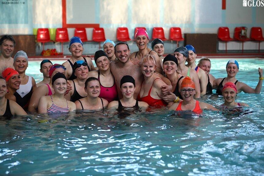 Kilkadziesiąt osób wzięło udział w I Skierniewickim Maratonie Aqua Fitness