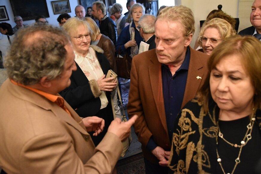 Podczas otwarcia wystawy, pani Grażynie Hasa towarzyszyło wielu przyjaciół, m. in. aktor Daniel Olbrychski.