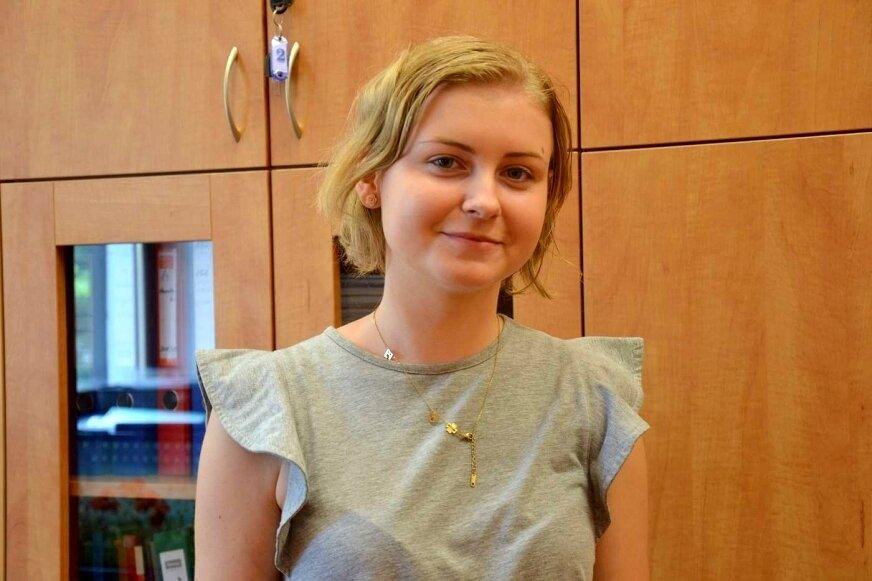 Wiktoria Rypkowska ma powody do dumy, czeka na wyniki matury i cieszy się z średniej ocen na koniec szkoły.