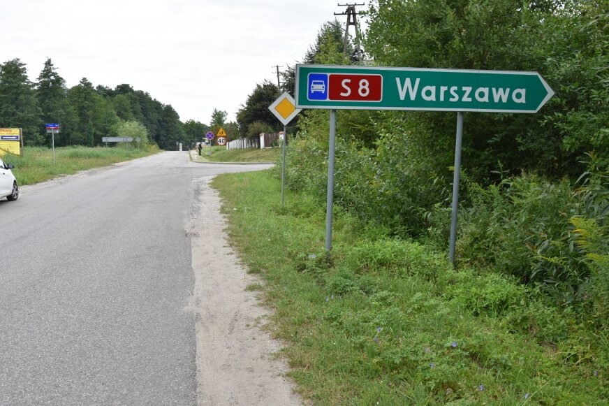 Trasa ciężarówek miałaby prowadzić między innymi przez osiedle w Kowiesach, aż do trasy S8.