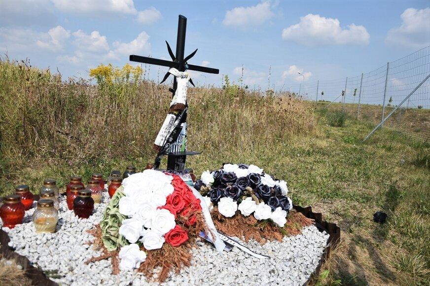 Legenda włoskiego futbolu nadal pozostaje w pamięci wiernych kibiców Juventusu. W Babsku, w pobliżu drogi S8, stoi krzyż upamiętniający miejsce śmierci piłkarza.