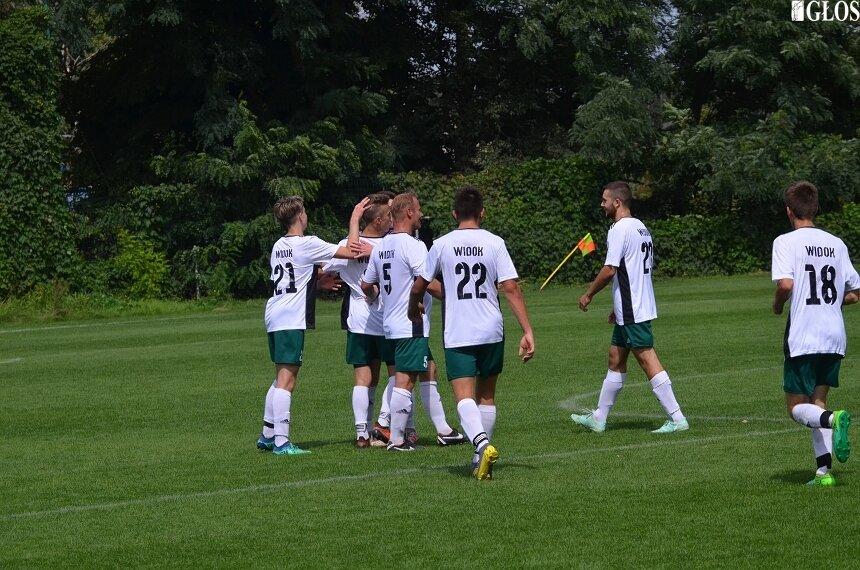 Młody zespół Widoku udanie zainaugurował rozgrywki 2019/2020. Najmłodsza drużyna w stawce z 4 spotkaniach zanotowała 1 zwycięstwo, 2 remisy i 1 porażkę.