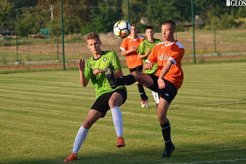 Olimpia Jeżów pokonała w trzeciej rundzie Pogoń Godzianów 7:1.