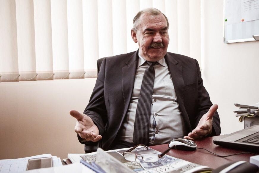 Krzysztof Tułacz, prezes SSM rozkłada ręce. –  Niech pan Marian porozmawia z sąsiadem i przemówi mu do rozsądku – mówi.