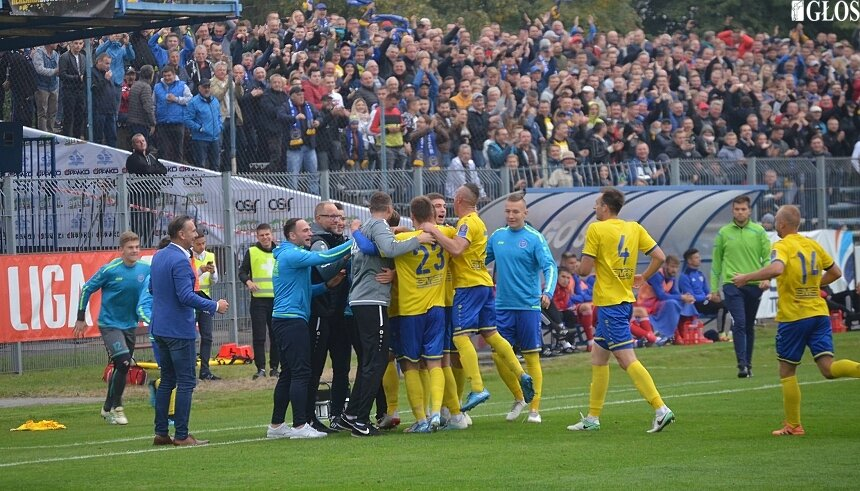 Frekwencja podczas pucharowego meczu Unii z Piastem Gliwice potwierdziła opinie, że w mieście jest zapotrzebowanie na piłkę nożną na wysokim poziomie. Rozwój infrastruktury powinien iść w parze z sukcesami sportowymi.