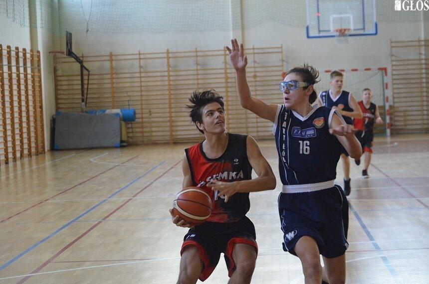 Młodzicy MKS Ósemka wygrali drugi mecz w sezonie 2019/2020.