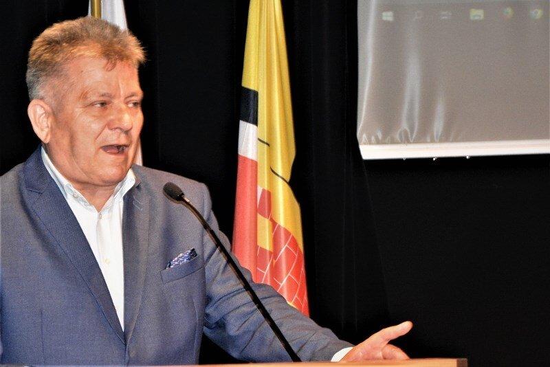 Radny Józef Kapusta podkreśla, że sytuacja miasta jest trudna.