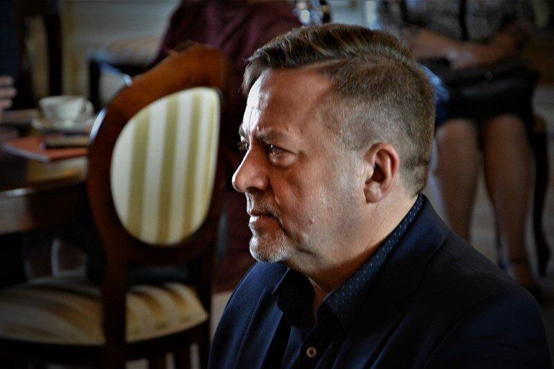 Lucjan Chrzanowski znokautował dotychczasowych koalicjantów.