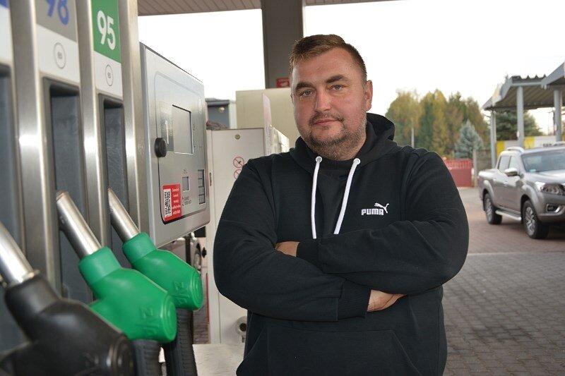 –Złodziej chciał przejechać mojego pracownika. Nie odpuszczę – mówi Piotr Krupiński, właściciel stacji paliw