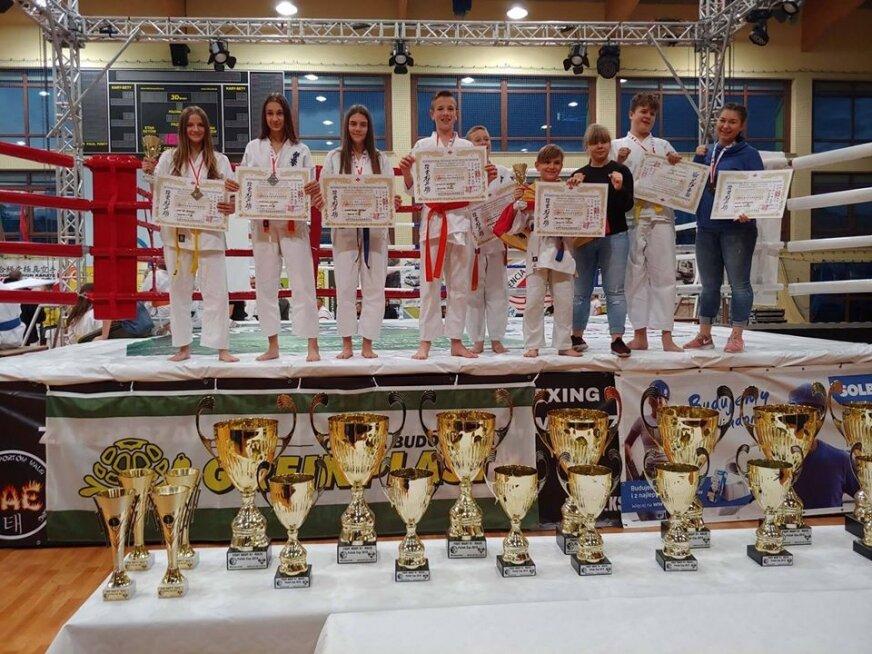 Medalowy weekend rawskich karateków