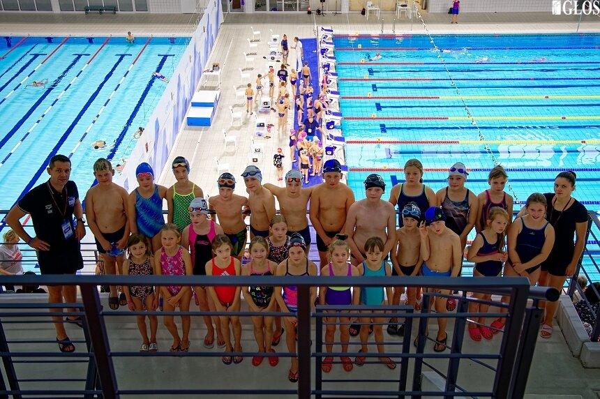 Młodzi pływacy UKS Nawa Skierniewice z roczników 2009-2011 wzięli udział w mistrzostwach województwa.