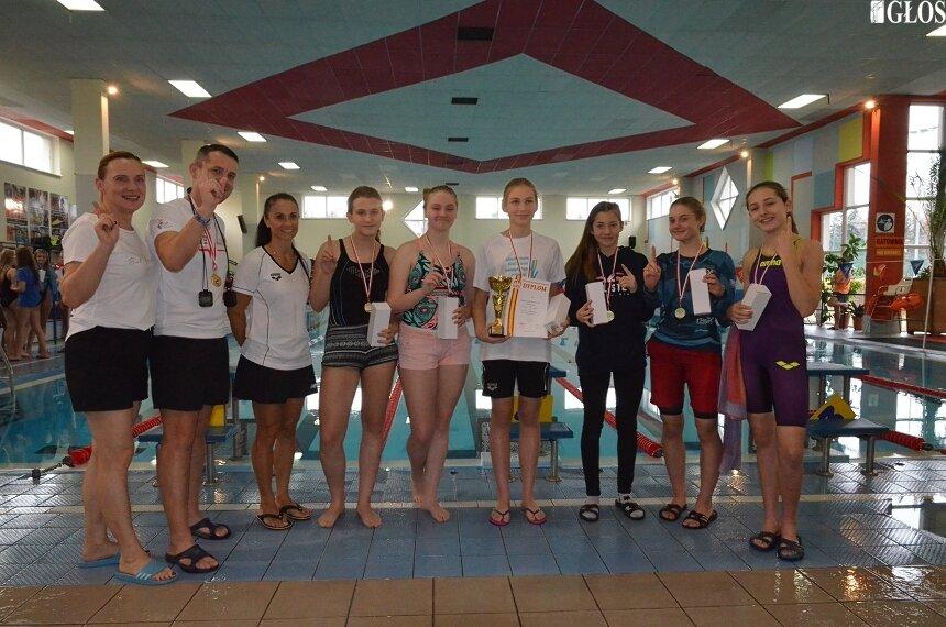 Podczas finału wojewódzkiego Igrzysk Młodzieży Szkolnej i Igrzysk Dzieci  bardzo dobrze wypadli pływacy ze Skierniewic.