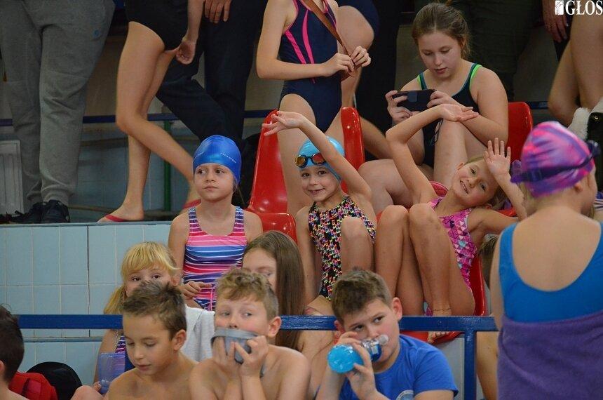 Dzieci ze skierniewickich szkół rywalizowały w XII igrzyskach pływackich organizowanych przez Szkołę Podstawową nr 9.