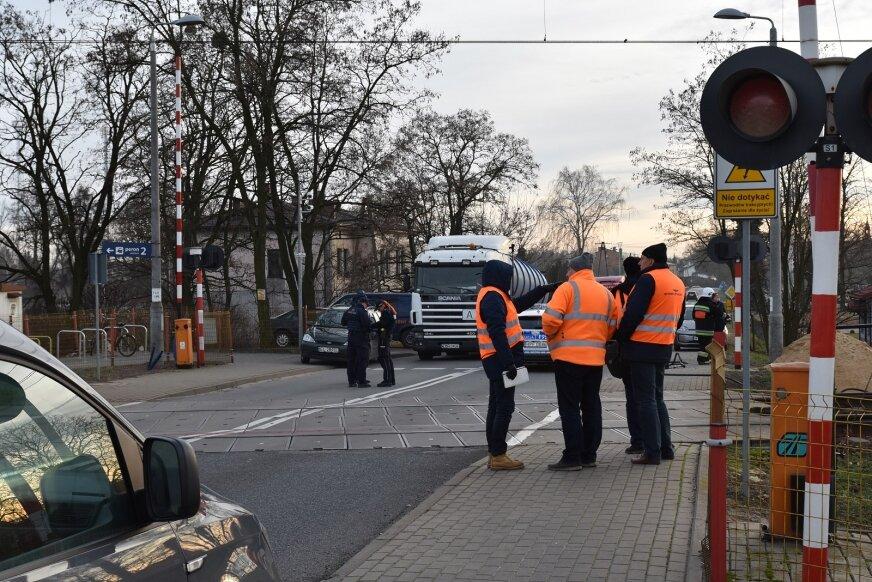 Tragiczny wypadek na przejeździe kolejowym w Lipcach Reymontowskich.