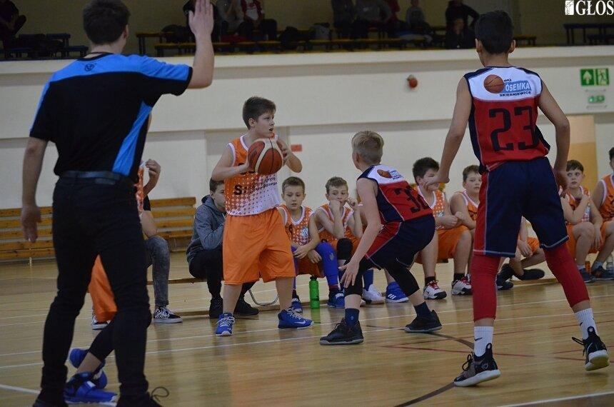 Przed sezonem 2018/2019 skierniewickie kluby koszykarskie podjęły współpracę szkoleniową, która dobiegła końca przed wraz finiszem rozgrywek. W sezonie 2019/2020 kluby z miasta ponownie grają na własny rachunek.