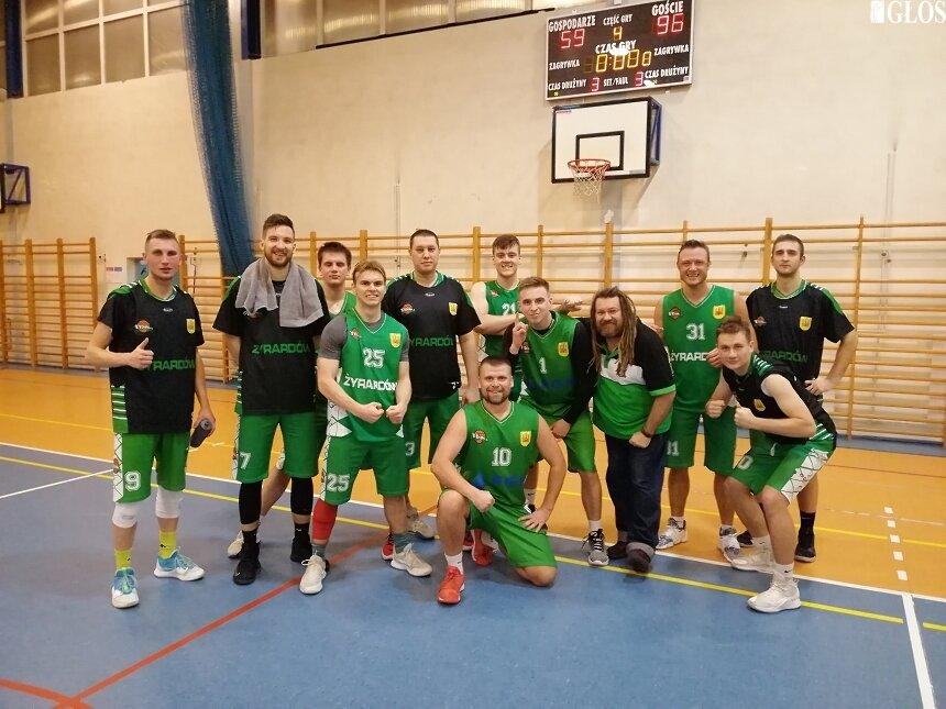 Seniorzy UKS Trójka Żyrardów zapewnili sobie 1. miejsce w grupie A i awans do grupy mistrzowskiej.