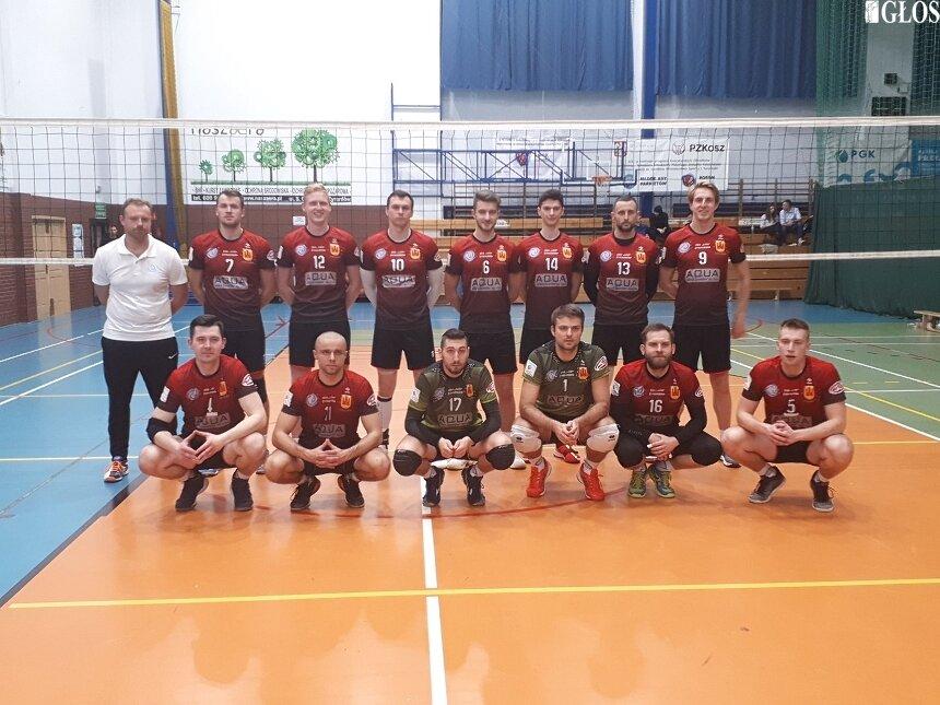 Zespół siatkarzy z Żyrardowa pozostał niepokonany w IV lidze.