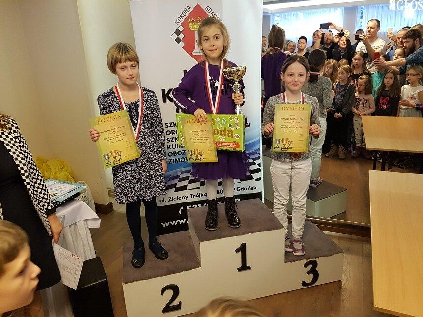 Zuzanna Górecka była janlepsza w kategorii do lat 10 podczas VIII Międzynarodowego Festiwalu Szachowego