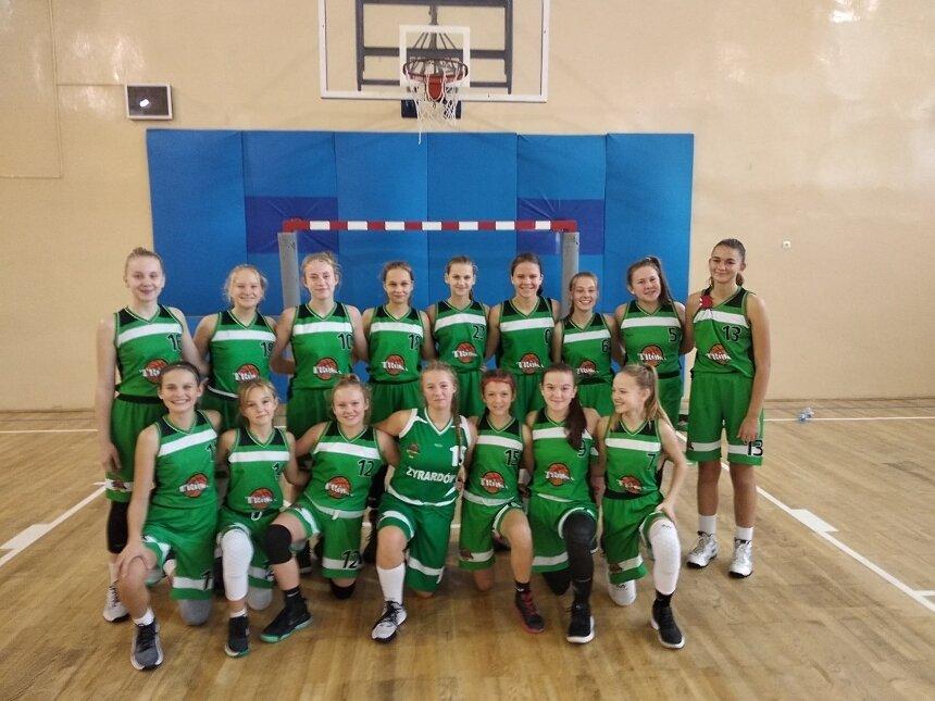 Młodziczki pewnie zmierzają po tytuł mistrzyń ligi U14 na Mazowszu.