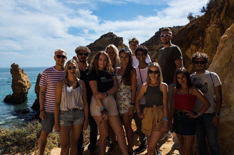 Paulina Maziarz (pierwsza z prawej) podkreśla, że najważniejsze obok nauki są znajomości i przyjaźnie zawarte na wyjeździe.