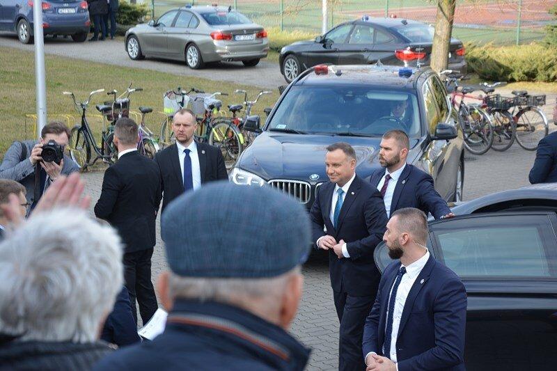 Żyrardów: wizyta prezydenta RP. Były nie tylko oklaski. VIDEO