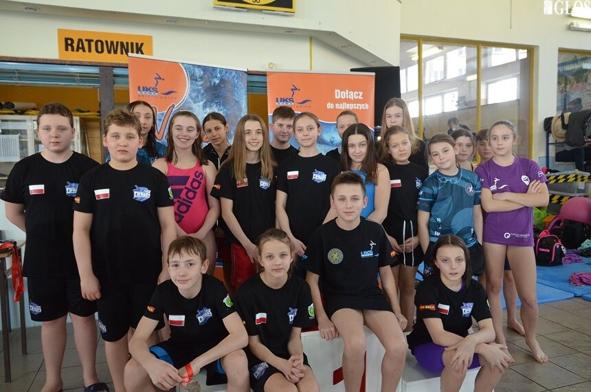 Skierniewiccy pływacy wypadli bardzo dobrze podczas Wojewódzkiej Ligi Dzieci i Młodzieży w Pływaniu.