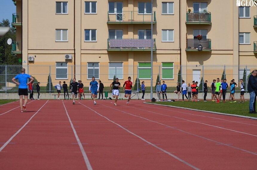 Już w wakacje miłośnicy biegania będą mogli korzystać z nowej lekkoatletycznej bieżni na stadionie przy ulicy Tetmajera.
