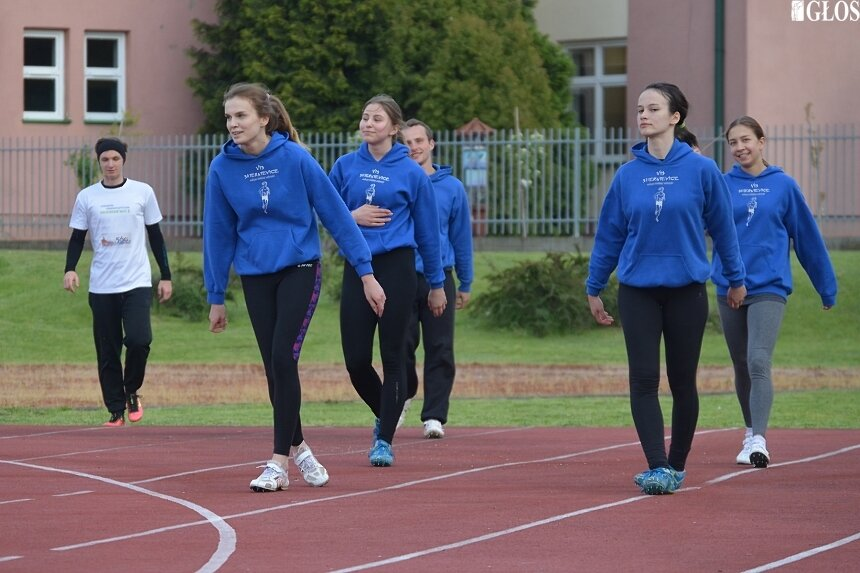 Wydaje się, że najtrudniejszy czas dla sportowców minął. Od poniedziałku (11.05) lekkoatleci, a także przedstawiciele innych dyscyplin mogą trenować w grupach.