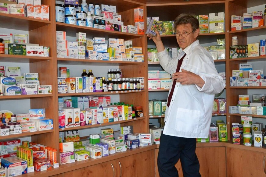 Krzysztof Wieczorkiewicz nie tylko sprzedaje zioła ale też doradza.