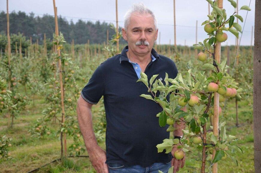 """Krzysztof Czarnecki przyznaje, że sadownicy borykają się z wieloma problemami (fot. archiwum """"Głosu"""")"""