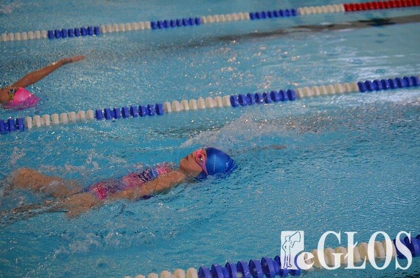 Miłośnicy pływania, wysiłku w siłowniach i klubach fitness doczekali się decyzji, która pozwoli im realizować ich pasje.