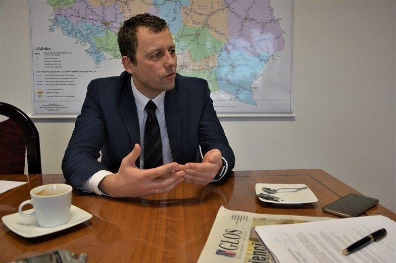 Mikołaj Wild, prezes spółki CPK odpowiedział konkurentom Dudy.
